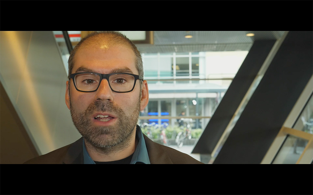 Exhibition video: New Adobe Pro CC - compared to the competition + questions about stability // IBC