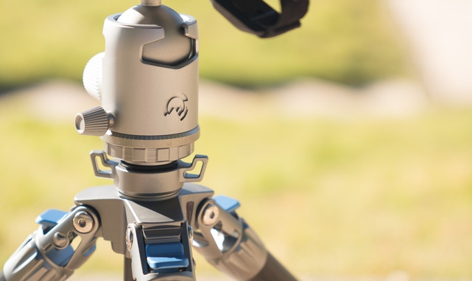The world's first tripod system with titanium ball head