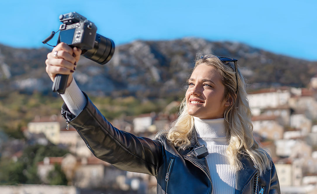 Hollyland announces Lark 150 audio radio solo kit for vloggers