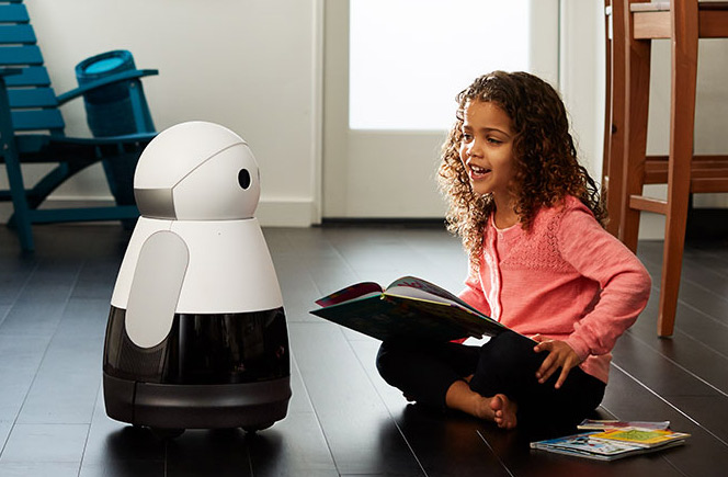 neuer haus roboter kuri macht automatische familienvideos. Black Bedroom Furniture Sets. Home Design Ideas
