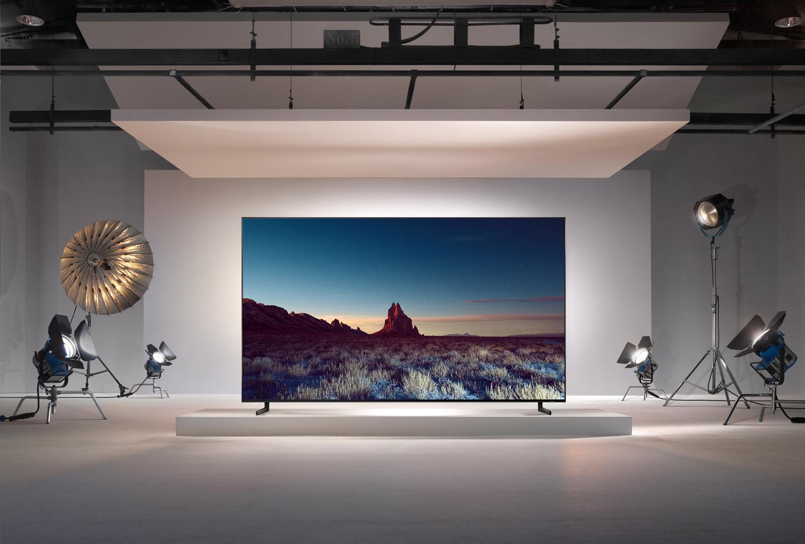 Slashcam News Samsung And Lg Show Qled Oled 8k Tv Ifa