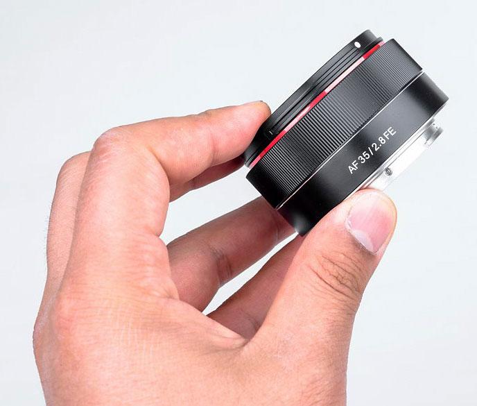 SAMYANG - compact 35mm f / 2.8 AF lens for Sony full format