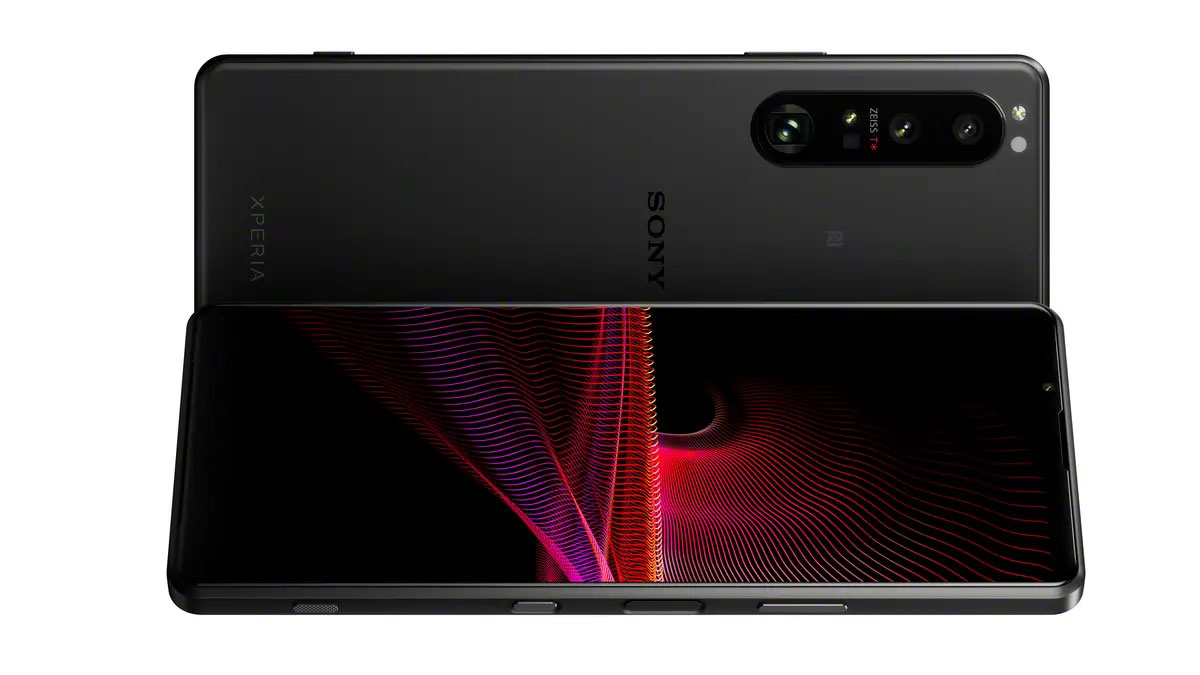 Sony Xperia 1 and 5 III - Camera with prism and variable focal length lens