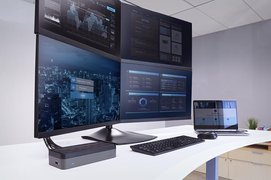 Targus QuadHD USB-C Docking Station with 4 Monitors