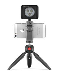 TwistGrip_universal-smartphone-clamp_MTWISTGRIP_inUse_PIXI-front_preview