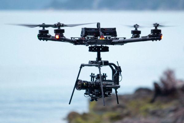 Freefly_AltaX_quadcopter_flug