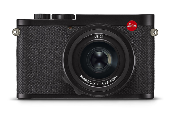 Leica-Q2_front_RGB