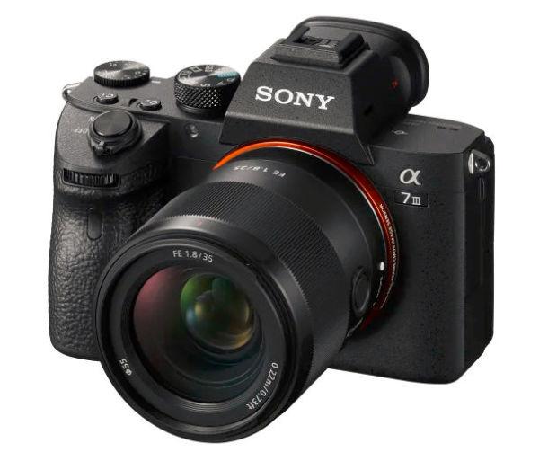 Sony_FE_35mm_-F1-8_A7III