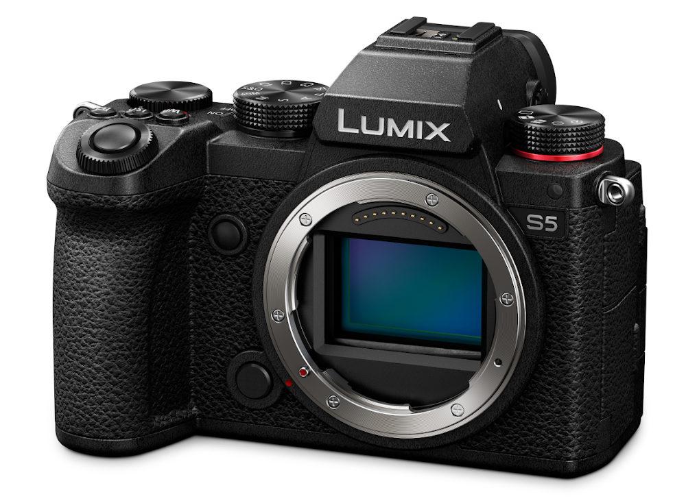 Panasonic LUMIX S5 introduced -- compact full format camera with 4K / 10 bit video
